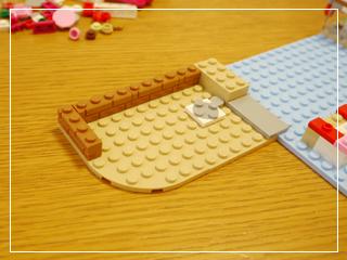 LEGOCapCakeCafe18.jpg