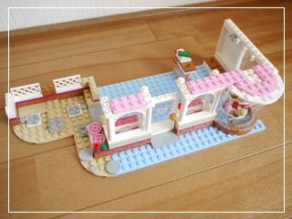 LEGOCapCakeCafe26.jpg