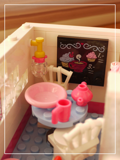 LEGOCapCakeCafe63.jpg