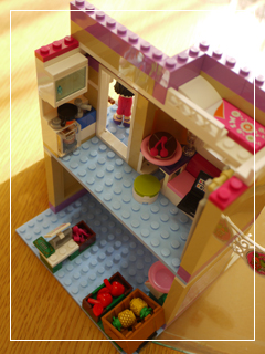 LEGOHeartlakeFoodMarket39.jpg