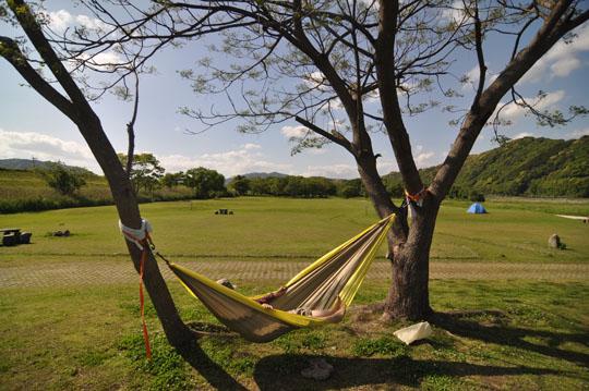 01木と木でハンモック