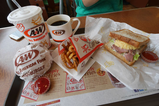 011朝食はAW