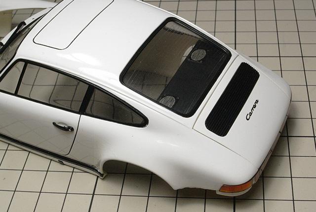 5162 911カレラ エンジンフード周り 640×430