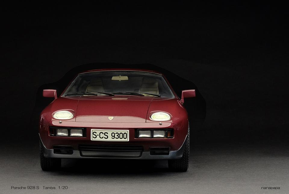 0768 Porsche 928S 960×645