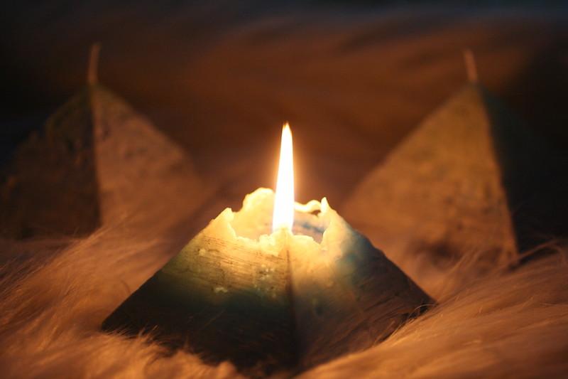 ピラミッド点灯3 のコピー