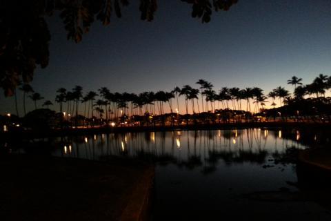 アラモアナビーチパークのサンセット