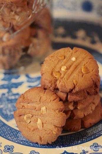 peanutbuttercookies3.jpg