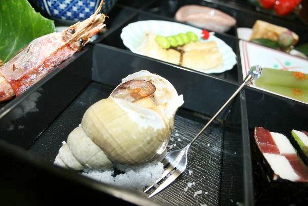ばい貝の壺焼き