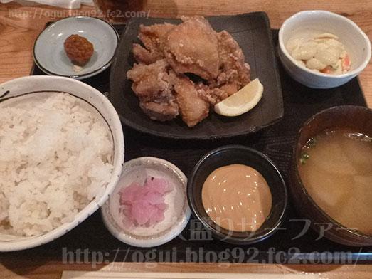 鹿児島本家かのや代々木で鶏の唐揚げ定食001