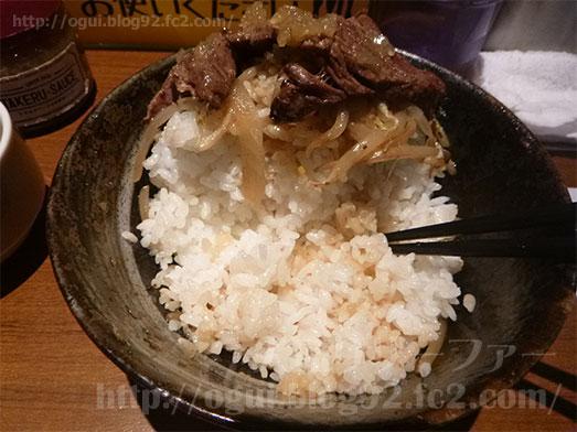 秋葉原ステーキタケルで特盛りステーキ丼022