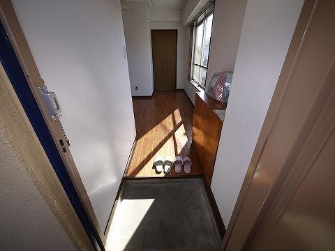 パラッツォヒカリ205玄関