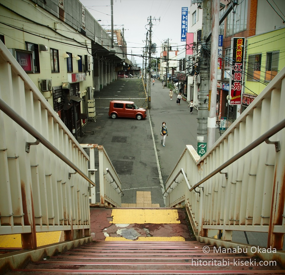shin-sapporo-footbridge_R.jpg
