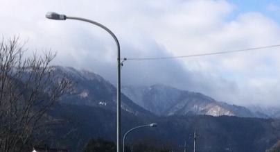 小屋28年1月山には雪
