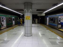 国際展示場駅にて。