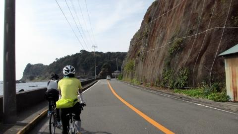 海を見ながらサイクリング・・・もかなり強風^^;