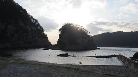 下田の海、そろそろ日没、寒くなってきたし帰りましょう~