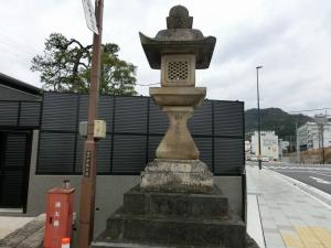 20151218_37伊勢本街道常夜灯