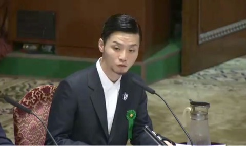 奥田愛基 国会