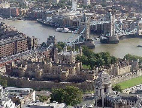 ロンドン塔とタワーブリッジ