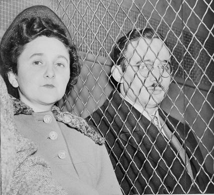 逮捕されたローゼンバーグ夫妻