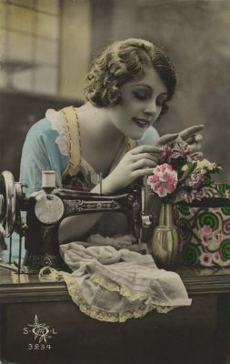 sewing lady_400