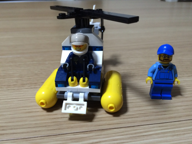 出来上がったレゴとレゴトラおじさん