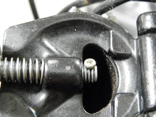 虫ピンでクリアランスに問題があり、真鍮のボルト止めとする