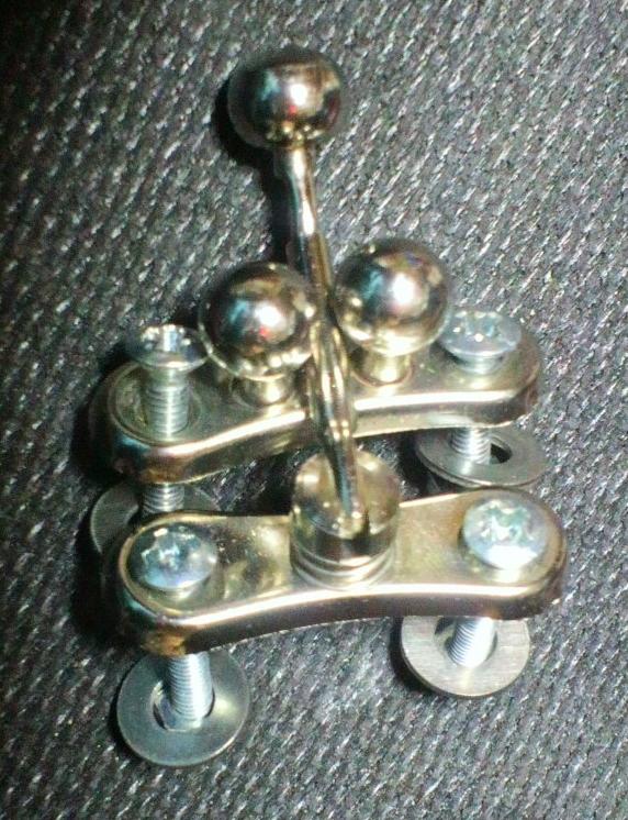 スナップ金具の原型