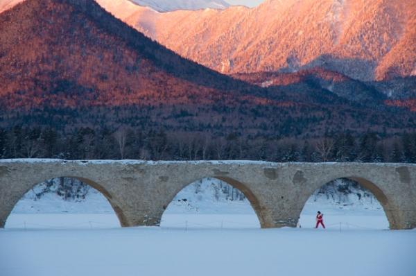 赤い山と橋@
