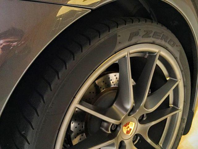 ポルシェ991カレラ_Front_R_Wheel_