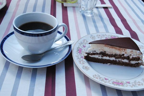 ケーキとドリンク