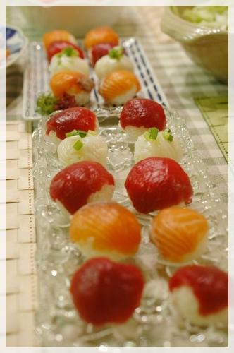 初挑戦のてまり寿司