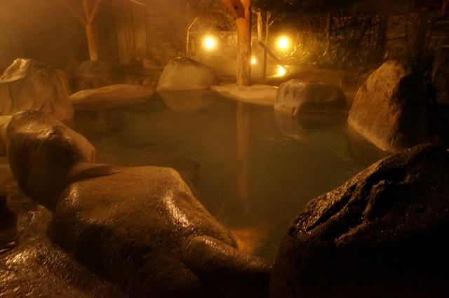 ひらゆの森 夜の露天風呂