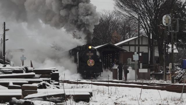 西田井駅の発車シーン、煙と水蒸気をご覧ください 5
