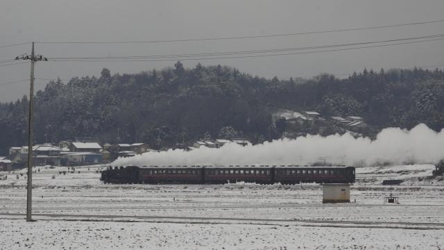 雪原を往く汽車