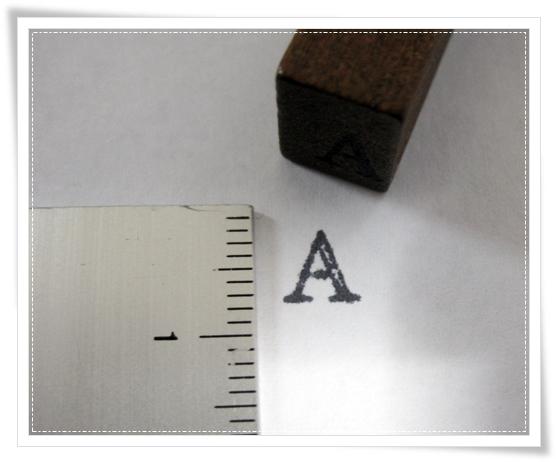 アルファベットと数字スタンプ