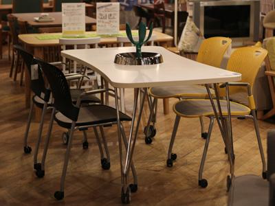 カルテル MAXテーブル オフィス家具 キャスター付きテーブル