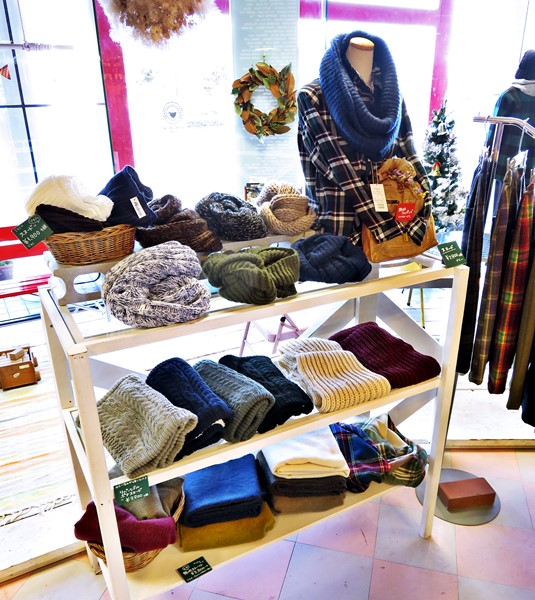 2015-12-04 店内 レディース・服飾雑貨 015 ブログ用
