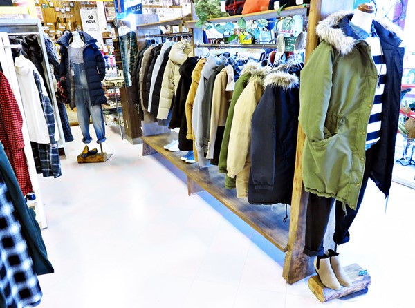 2015-12-04 店内 レディース・服飾雑貨 016 ブログ用