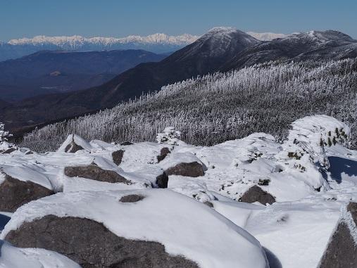 蓼科山と北アルプス