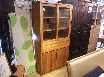 unico 食器棚1