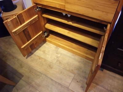 unico 食器棚3