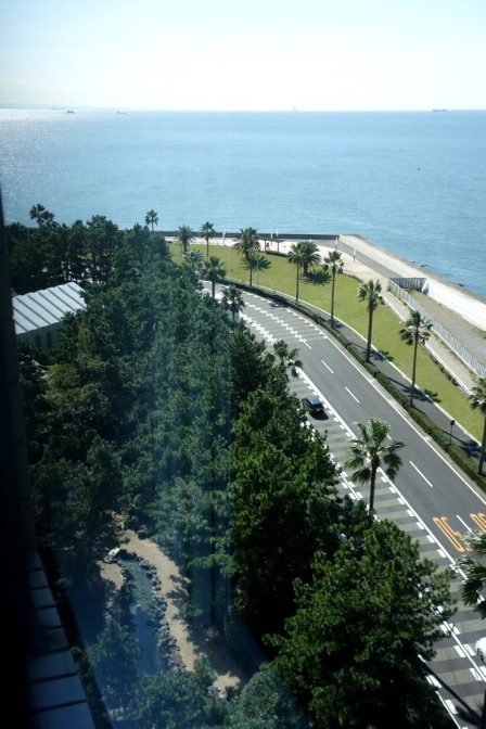 ディズニーオフィシャルホテル「ヒルトン東京ベイ」。残念ならが海側でした(^^;)