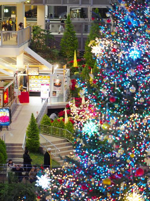 サッポロファクトリーのクリスマスツリーとイルミネーション2015