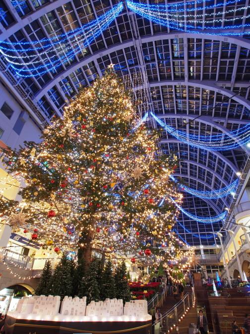 サッポロファクトリーのジャンボクリスマスツリー2015