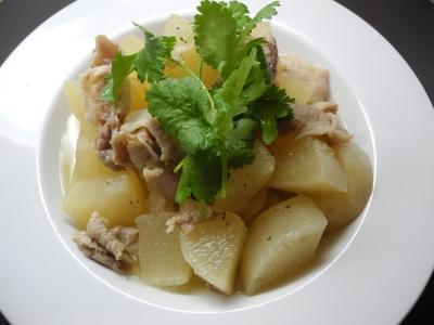 20160220大根と豚肉の煮物(ベトナム)