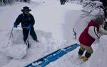 屋根雪掘り