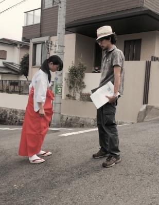 (2) 千葉美紅さんに演出中