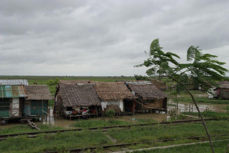 ミャンマー鉄道 myanmar train