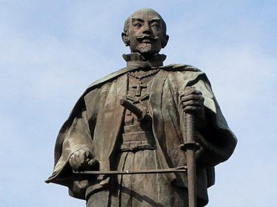 大友宗麟銅像